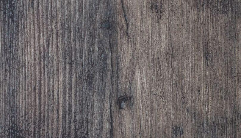 Giv gulvet en chance mere med en professionel gulvafhøvling i Hinnerup