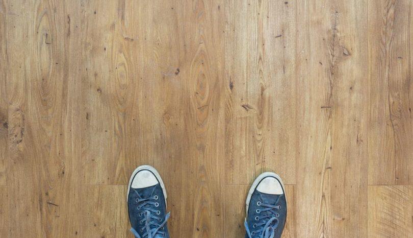 Frisk dit slidte trægulv op med en gulvafslibning
